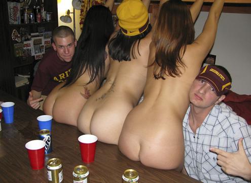 Голые пьяные студентки фото